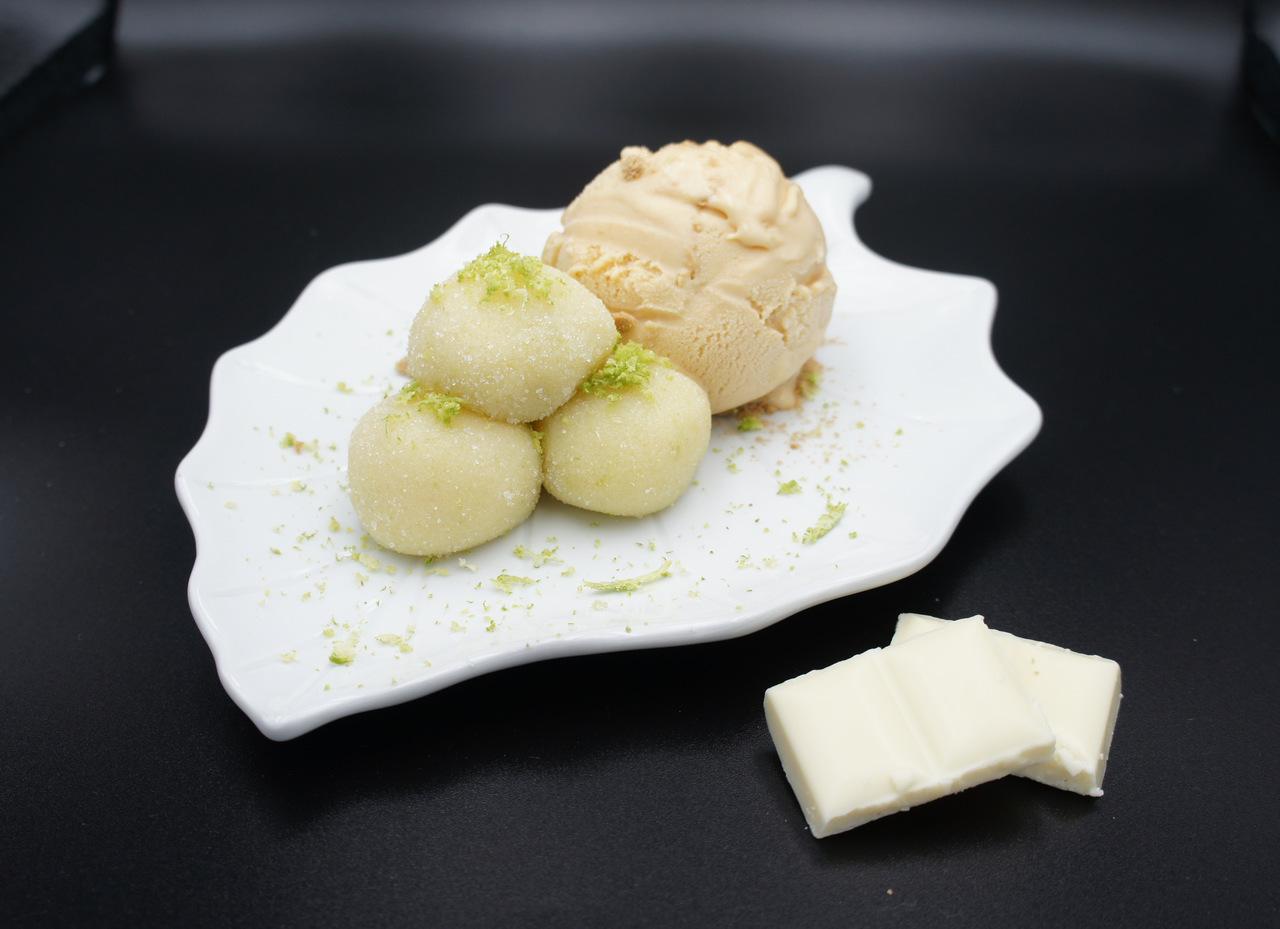 Brigadeiro de lima com gelado de bolacha maria
