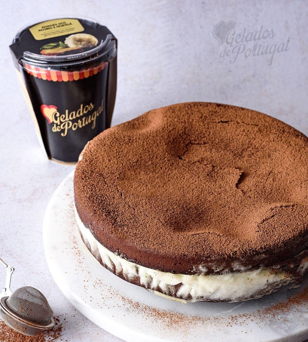 Brownie com Recheio de Sorvete de Ananás dos Açores com Hortelã