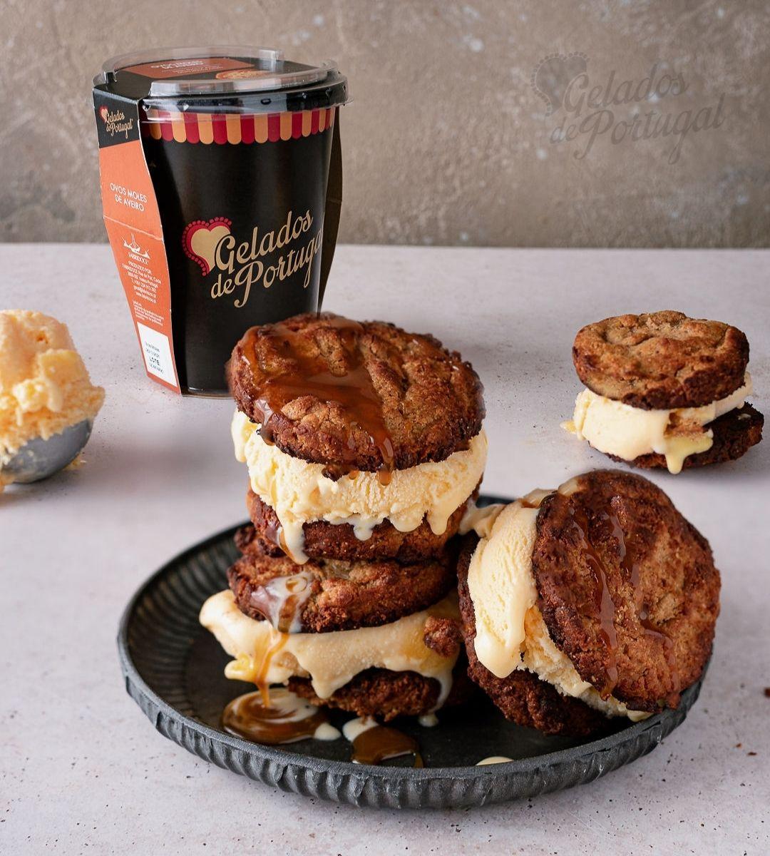 Sandwich de Manteiga de Amendoim com Gelado de Ovos Moles de Aveiro